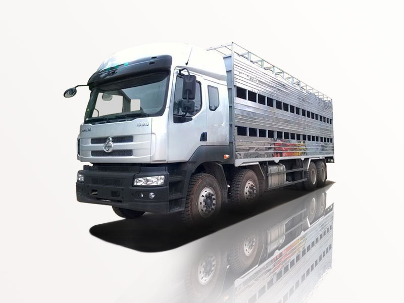 xe chenglong chở gia súc, gia cầm