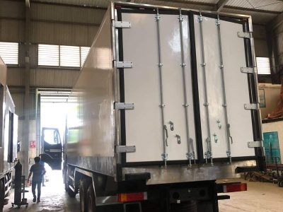 Xe Chenglong 5 Chân đông Lạnh Thùng 8m6 45 Khối 10x4 H7 Hwasung Thermo 8
